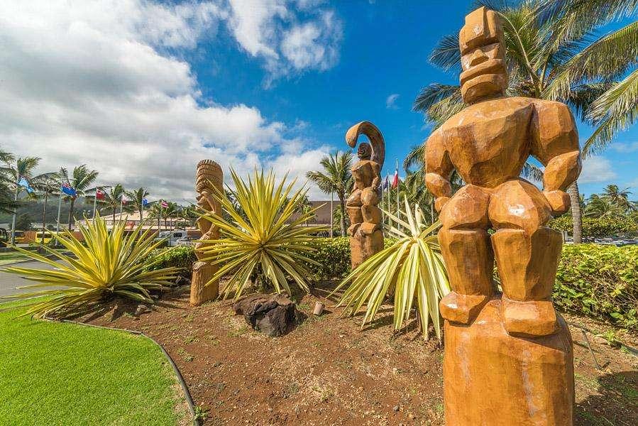 Carvings at Polynesian Cultural Center
