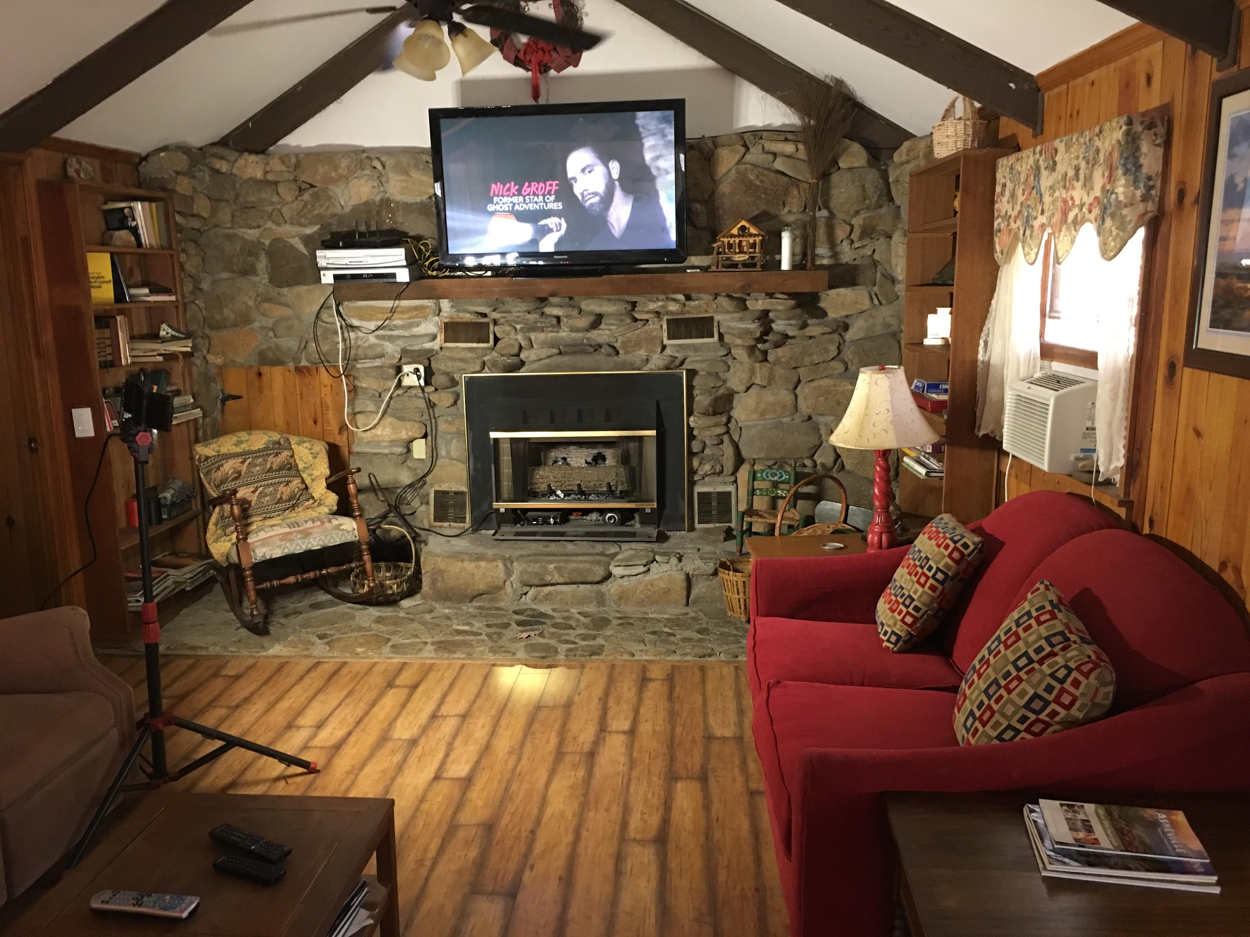 Stoney Fork Creekside Cottage  Cabins of Asheville