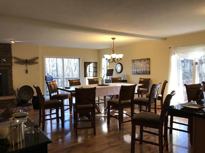 Dining Area - Open concept - Main floor