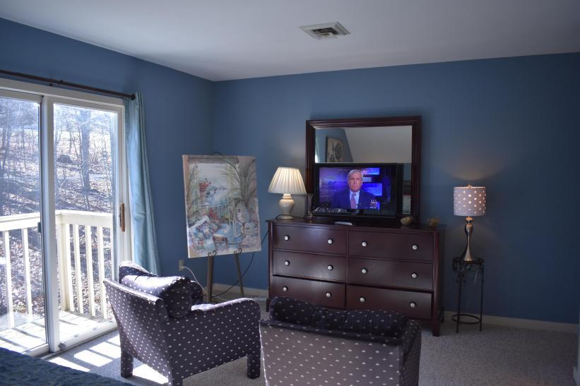 Balcony King Bedroom