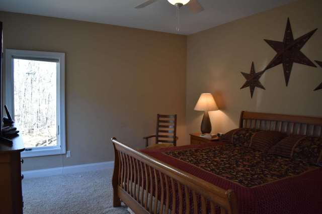Another view of 3 Stars Bedroom