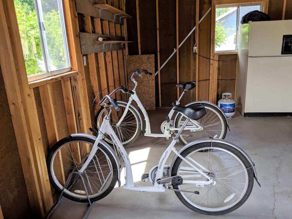 Cruiser Bikes included with Bike Rack