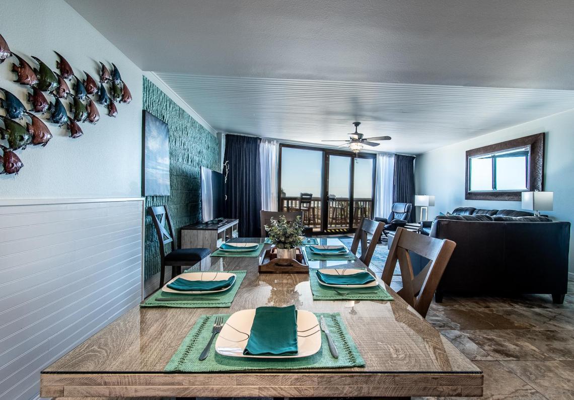 Relaxing open concept floor plan