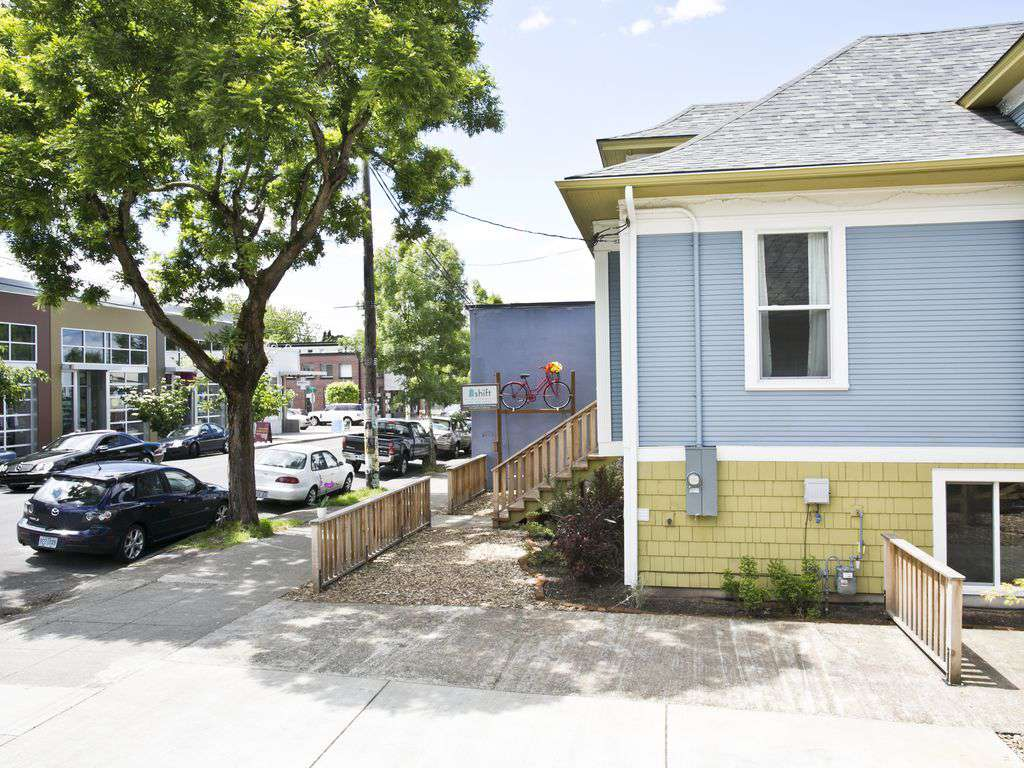 The duplex can be rented as 2 separate units or together for larger gatherings.