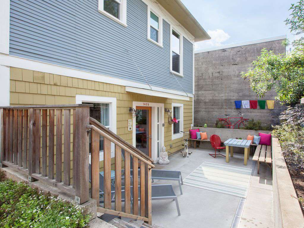 Picnic table, lounge chairs, and private patio make the outdoor area wonderful!