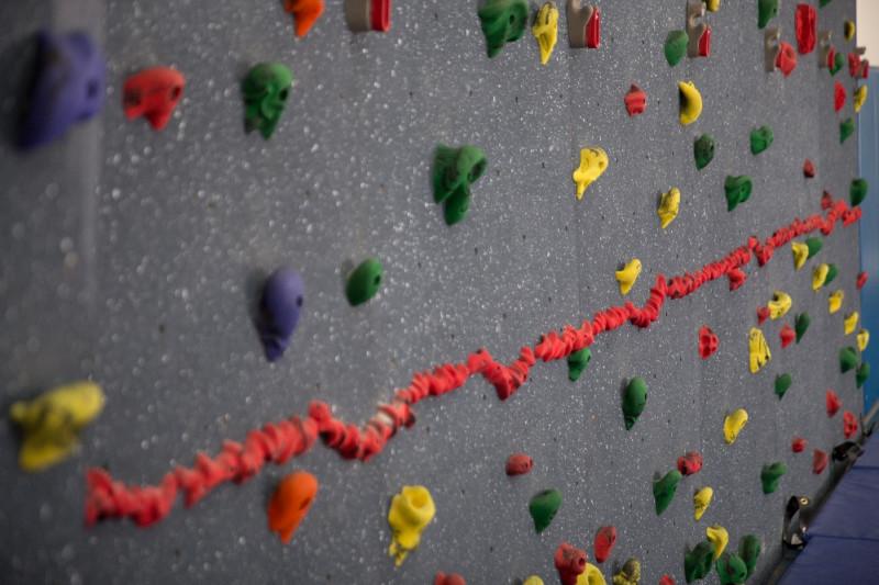 traverse wall