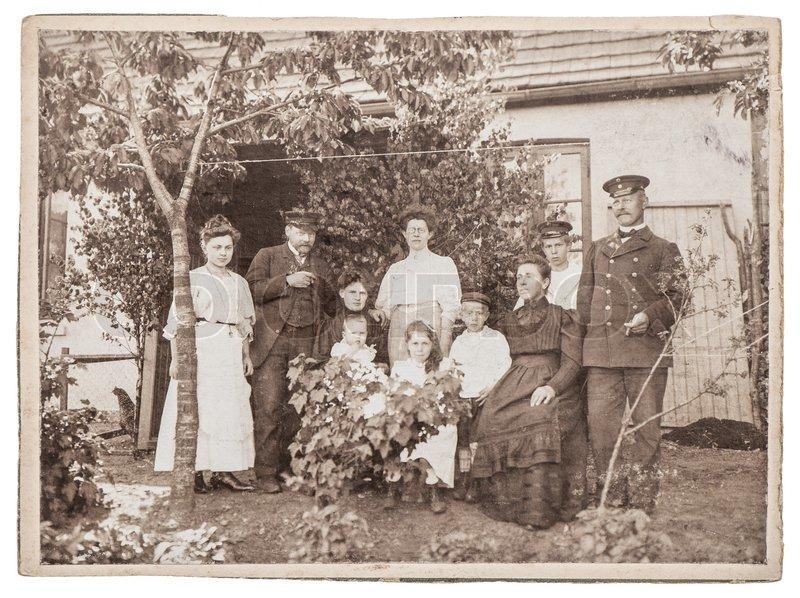 Alte Familienfoto Eltern mit Kindern   Stockfoto