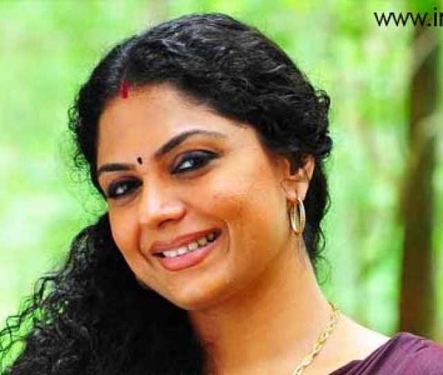 Asha Sarath Is The Latest To Be Targeted By Miscreants Spreading Fake Pron Like Videos Of Actresses Video Clips Of The Actress Is Doing The Round In The