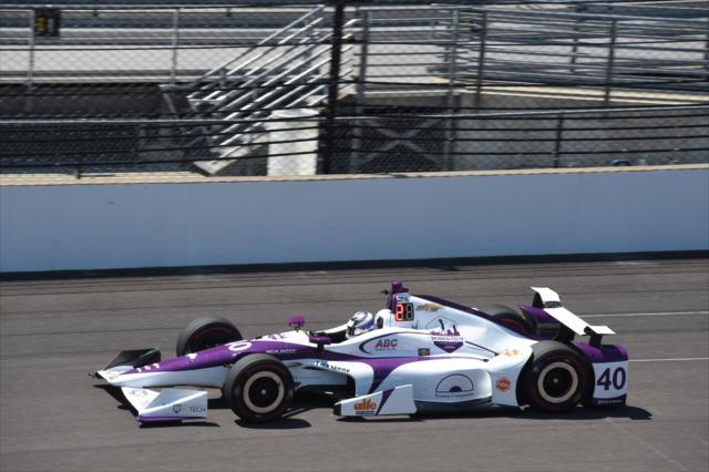 Veach corrió para Foyt en las 500 Millas de Indianapolis, aunque abandonó (FOTO: Jim Haines/INDYCAR)Veach corrió para Foyt en las 500 Millas de Indianapolis, aunque abandonó (FOTO: Jim Haines/INDYCAR)