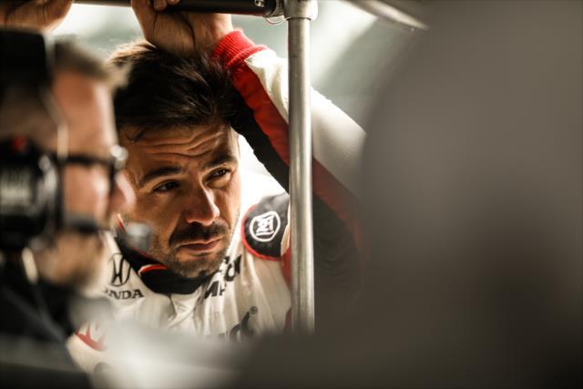 Serviá disputó la Indy 500 con Rahal Letterman Lanigan Racing, siendo su 200° arranque en la especialidad (FOTO: Shawn Gritzmacher/INDYCAR)
