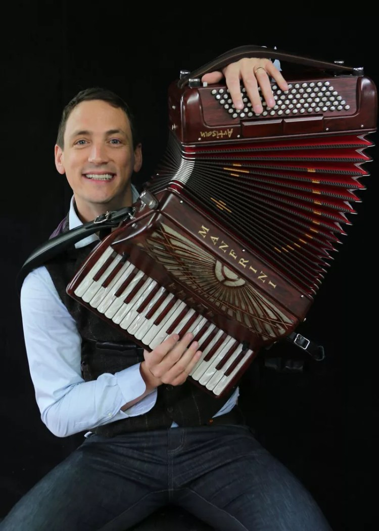 Gary Innes musician with accordian