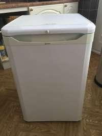FreelyWheely: Stand alone fridge
