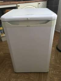 FreelyWheely: Stand alone fridge