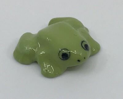 Minuscule Porcelain Frog