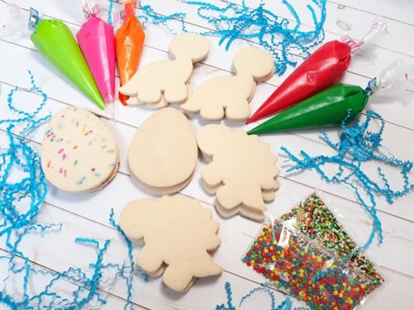 Dinosaur Cookie Decorating Kits