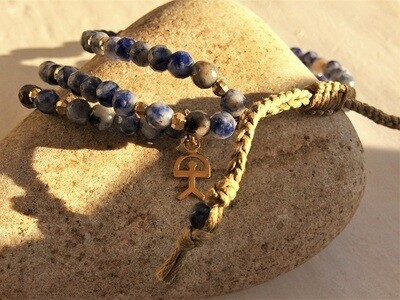 Sodalite bracelet with gold-filled Indalo for wellness
