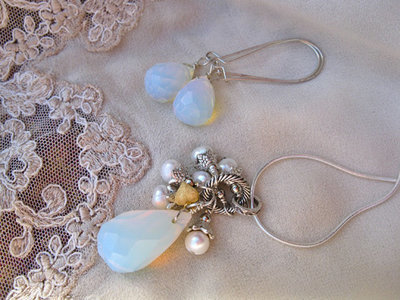 Moonstone + pearl jewellery set ~ sweet dreams