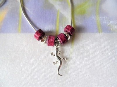 Lucky gecko charm necklace ~ silver