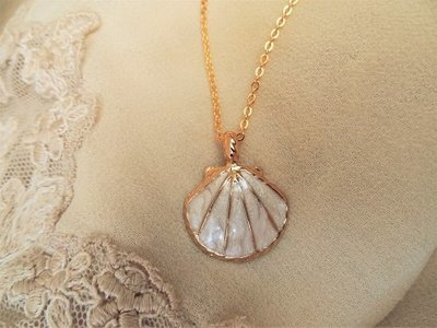 Camino jewellery necklace ~ ivory colour + gold plate