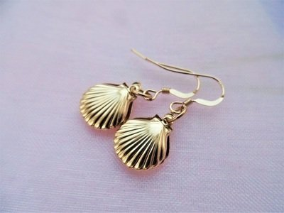 Camino jewellery scallop shell earrings ~ gold filled