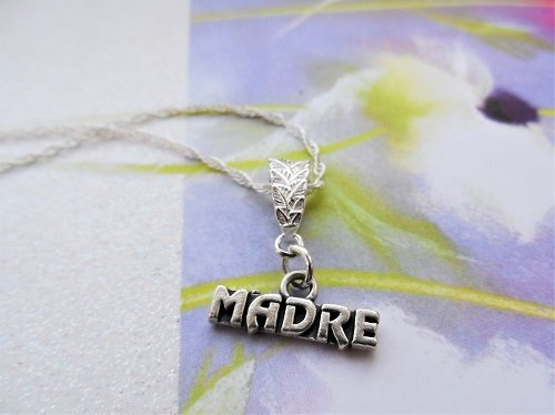 Mi madre colgante ~ silver Mother necklace