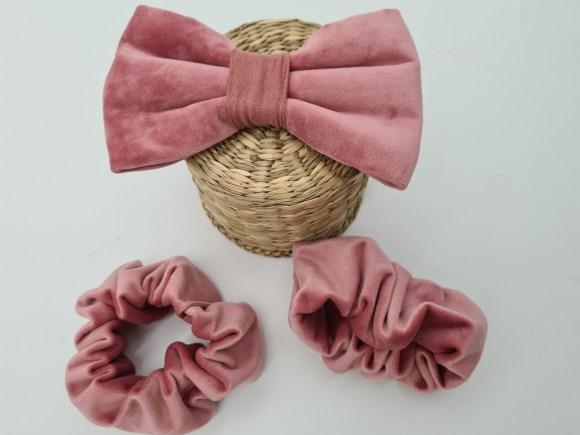 Velvet bow tie pink