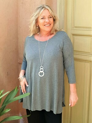Tesna - Soft grey Jersey top with 3/4 sleeve