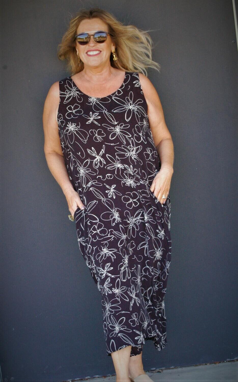 Kasbah Rani - Abstract Daisy sleeveless tulip cut dress