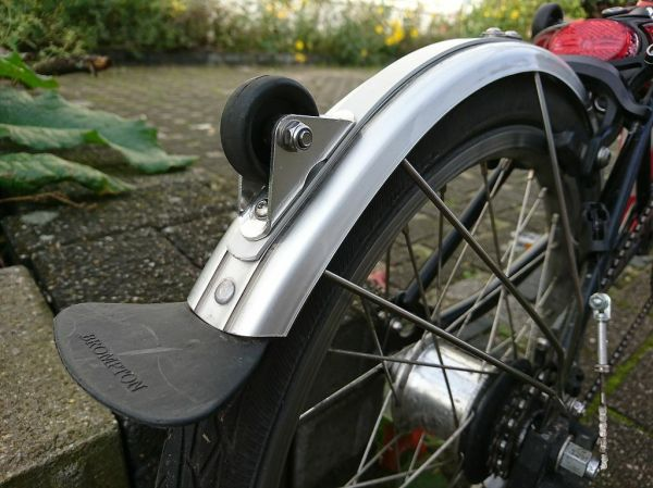Eerder metaal 'Blade Saver' for L type rear mudguard and roller axle replacement