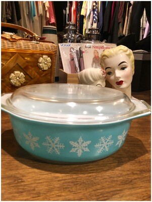 Vintage Pyrex Blue And White Winter Themed Dish With Lid