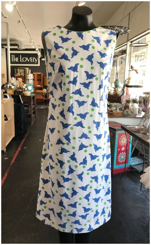 Vintage 1960's Vested Gentress Print Shift Dress with Playing Seals
