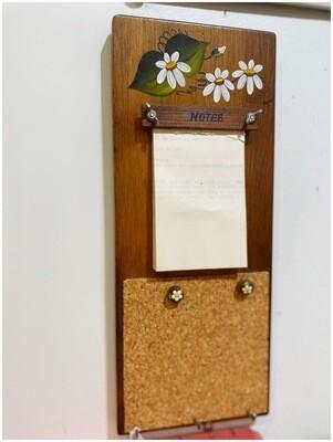 Vintage Daisy Memo Key Holder