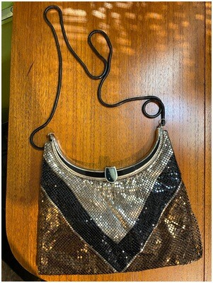 Vintage Metal Mesh Chevron Crossbody Hangbag
