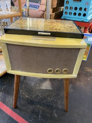 Re-Purposed Side Table Magnavox 1958 Record Player
