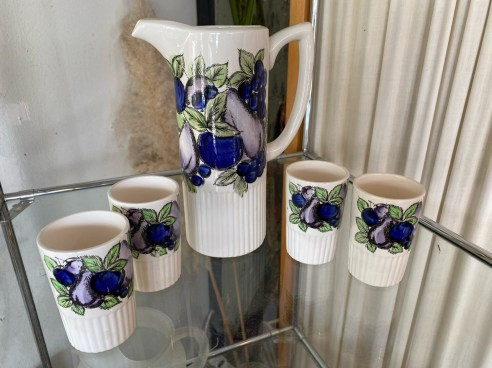 Vintage Pitcher with 4 Glasses