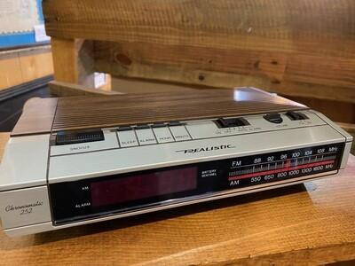 Vintage Realistic Chronomatic 252 AM/FM with Clock