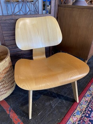 Mid Century Modern Authentic Eames Molded Plywood Chair