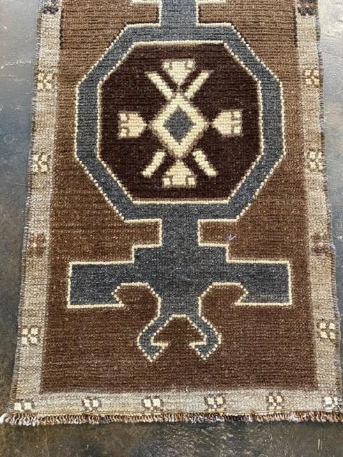 "Vintage Turkish Yastic Rug 19"" x 37"""