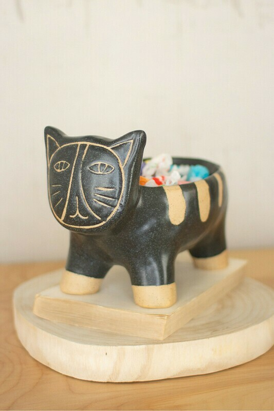Black & Natural Ceramic Cat Planter