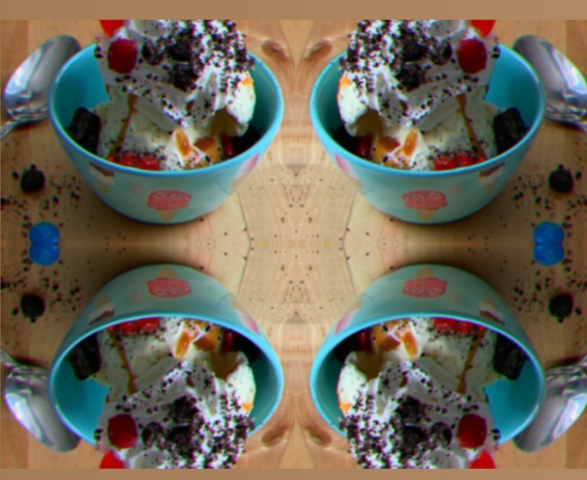 Ice Cream Sundae Party - SUPER-sized