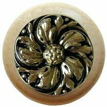 Notting Hill Cabinet Knob Chrysanthemum/Natural Brite Brass 1-1/2