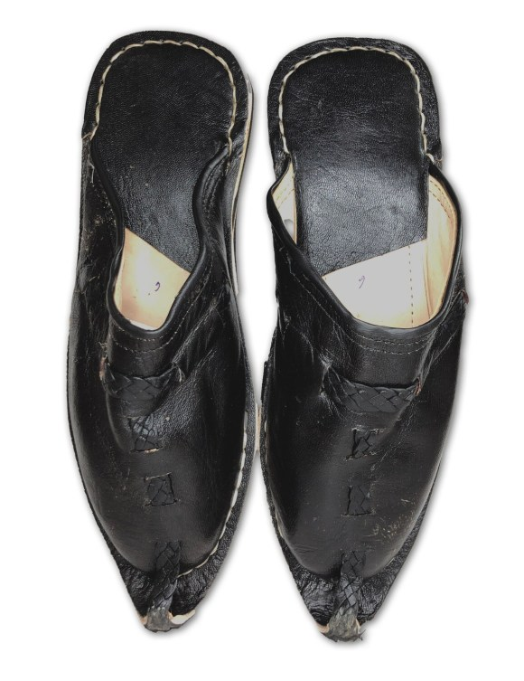Men's Pointed Black Organic Leather Moroccan Babouche Slippers