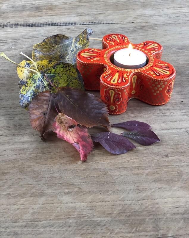 Indian Daisy Flower Tea Light Holder