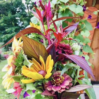 Simple Gifts Farm Flower/Sunflower BOUQUET