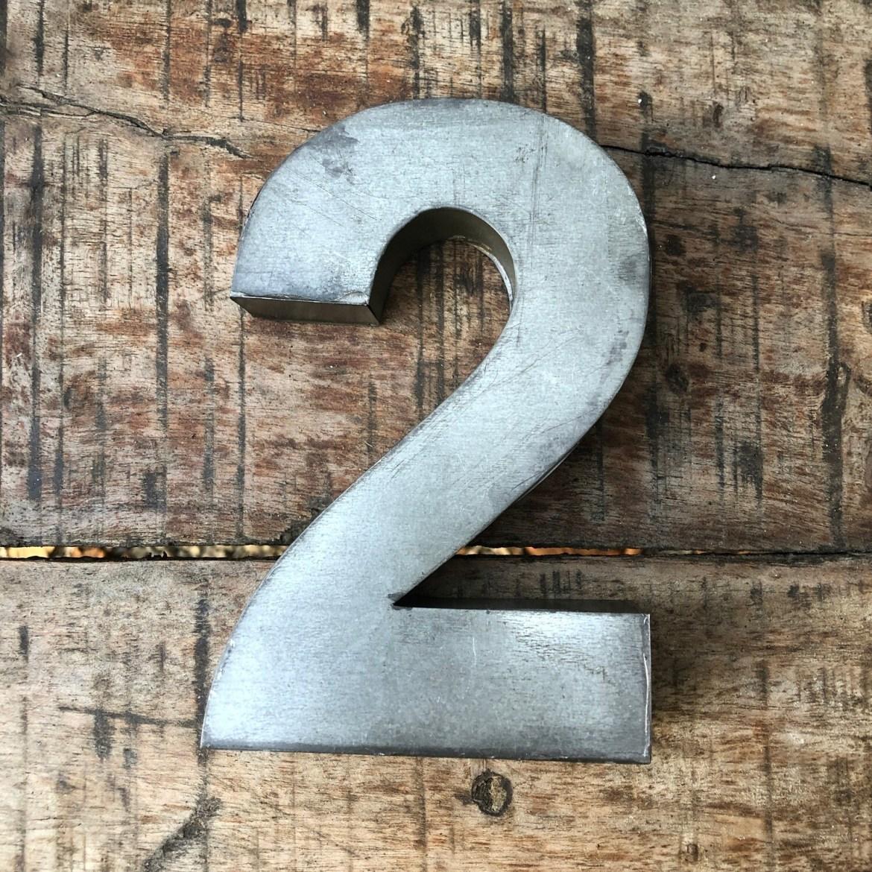 Numéro de maison en zinc - N°2