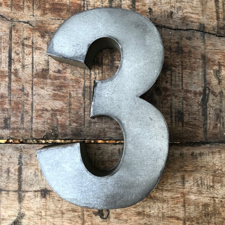 Numéro de maison en zinc - N°3