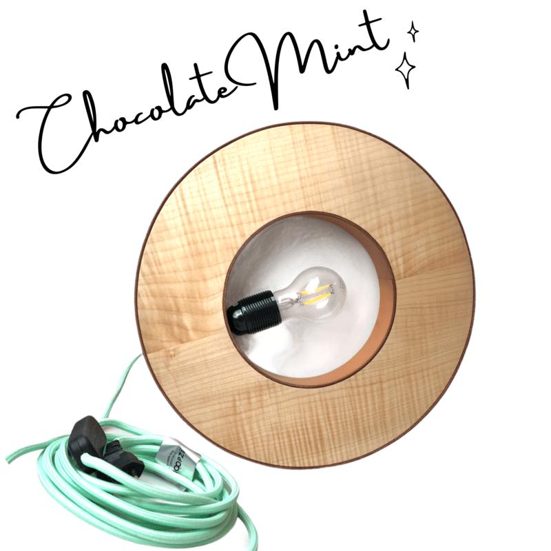 Lampe en bois et cuir Chocolate Mint