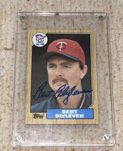 Bert Blyleven 1987 topps autographed baseball card with COA sticker