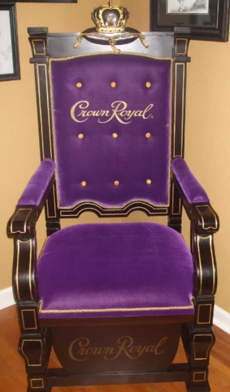 Crown royal Kings Throne Man Cave chair collectible car