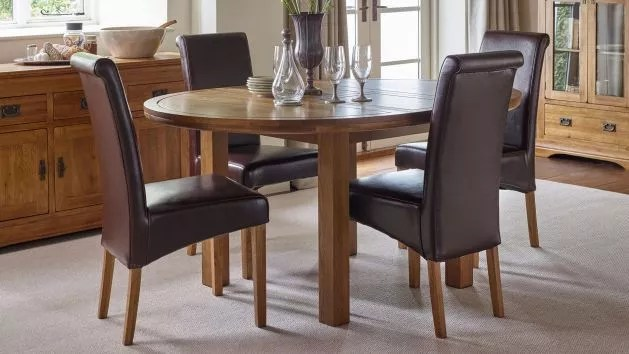 round oak table and chairs portable baby high chair hook on dining sets furnitureland